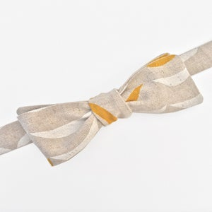Image of gray cascade linen bow tie