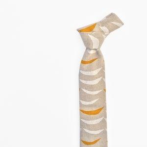 Image of gray cascade linen tie