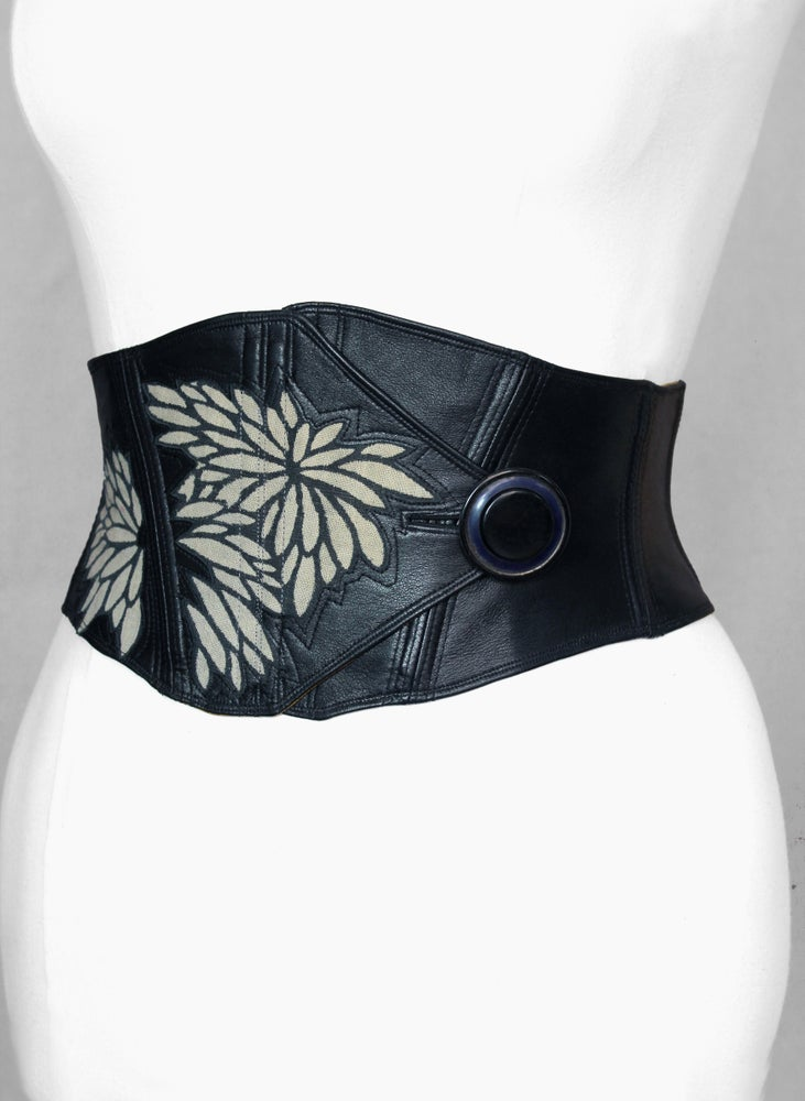 Image of Leather with Katazome Flower Cutout Corseted Belt