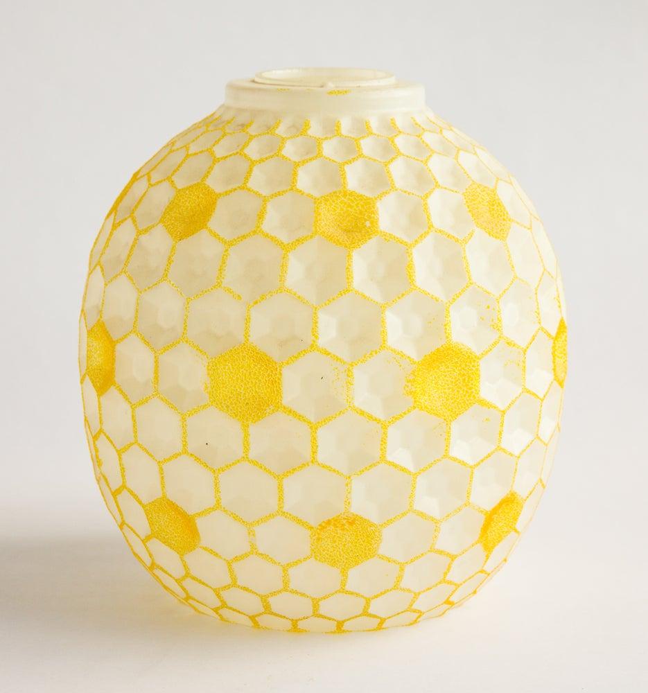 Image of Golden Honeycomb Glass Light Shade