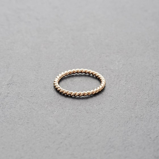 Image of Mount Lavinia Twisted Ring Rose Gold
