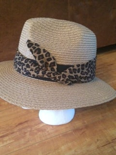 Image of straw fedora with removeable leopard band