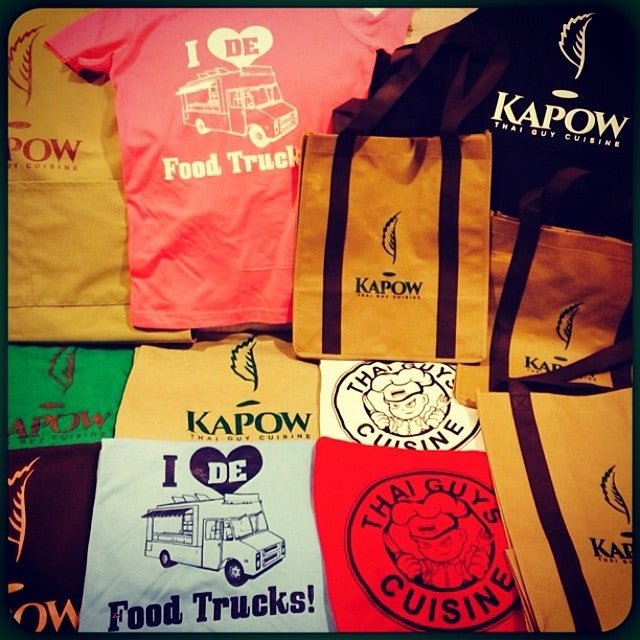 Kapow tee or i love de food truck kapowtruck for Kitchen 88 food truck utah menu