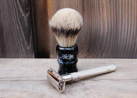 Image of Personalized Double Edge Safety Razor Set with Shaving Brush, Blades, & Soap