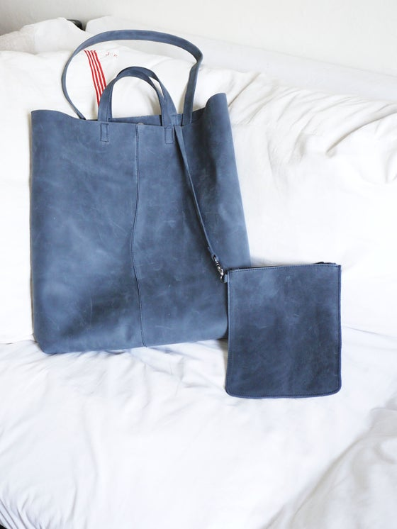 Image of MENORCA LEATHER XL TOTE BAG