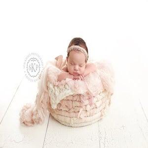 Image of luxury pink tones Organic Nest