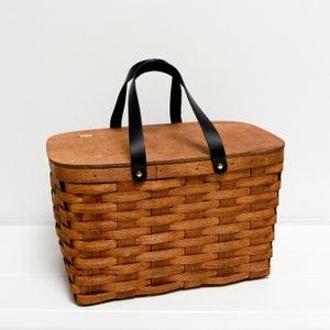 Image of picnic basket | green & white lining