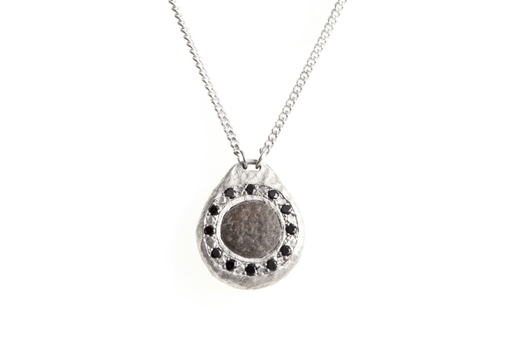 Image of Magic necklace with black spinels