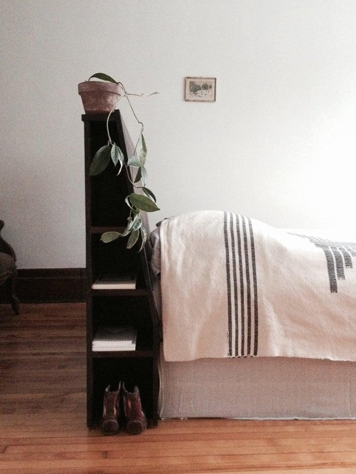 Image of Tête de lit . Headboard
