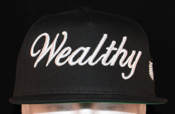 Image of Wealthy Hat Black / White