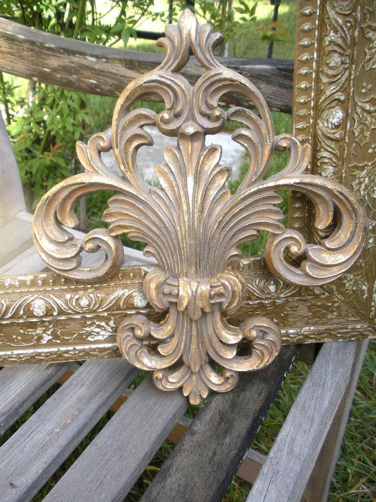 Image of Fleur de lis