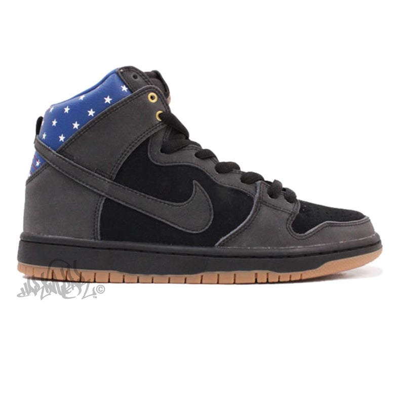 Image of NIKE SB DUNK HIGH PREMIUM - CAPTAIN AMERICA - 313171 022