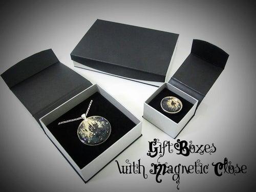 Image of Midnight Rocks Skullie Silver Ring