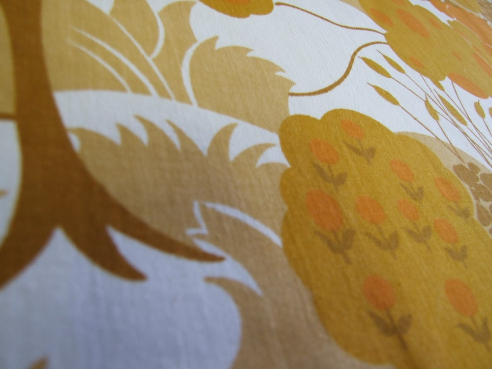 Image of 70s Orange Trees fabric - Fat Quarter