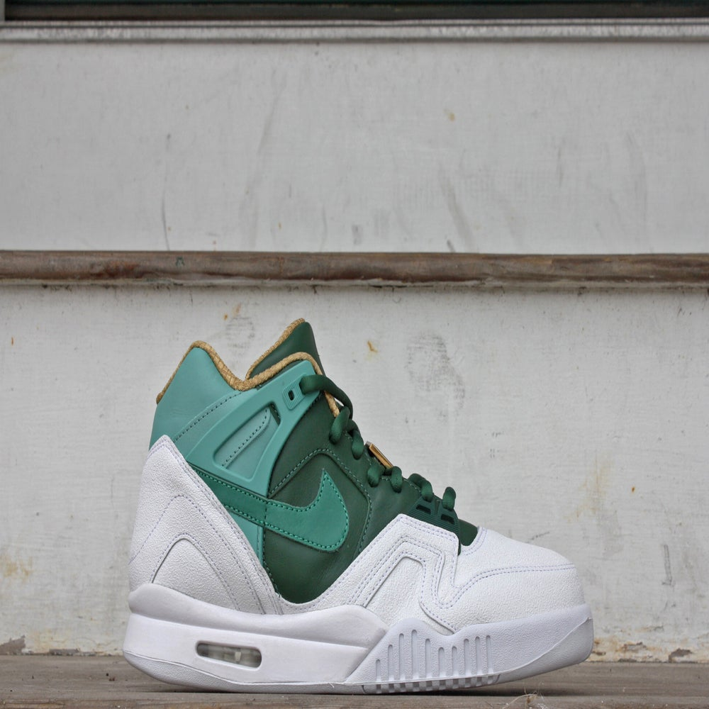 "Image of Nike Air Tech Challenge II ""WIMBLEDON"""