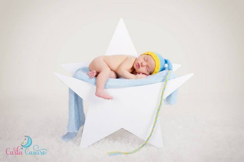 Image of Newborn Wooden Star Photo Prop