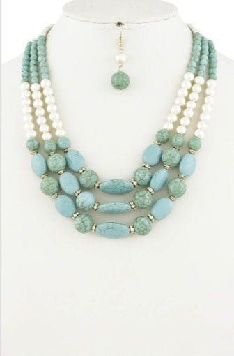 """Image of """"Turquoise"""" necklace"""