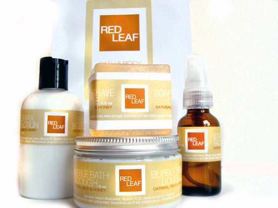 Image of Bath Day Gift Set With Red Leafs Most Popular Products
