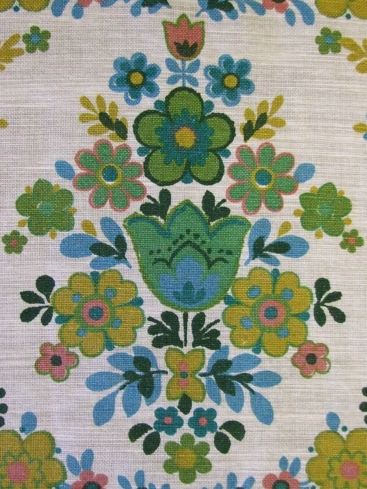 Image of Folky Floral Linen Fabric - Fat Quarter