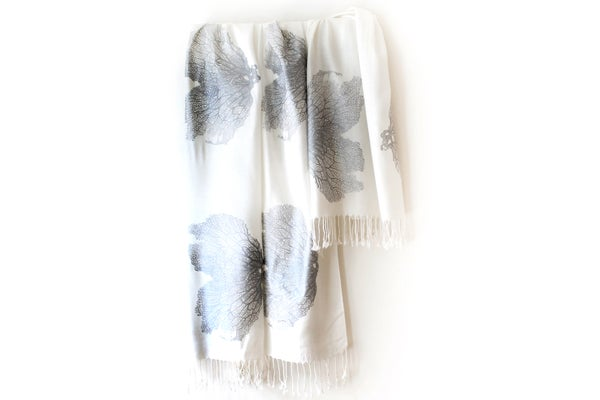 Image of Seafan Heart Scarf White/Silver