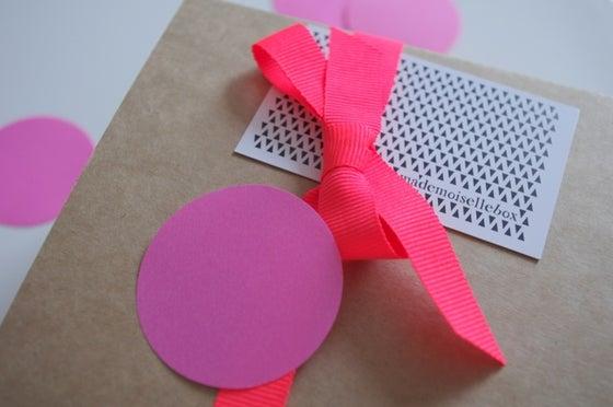 Image of BOX #7 . JUIN . ELECTRIC BIRD