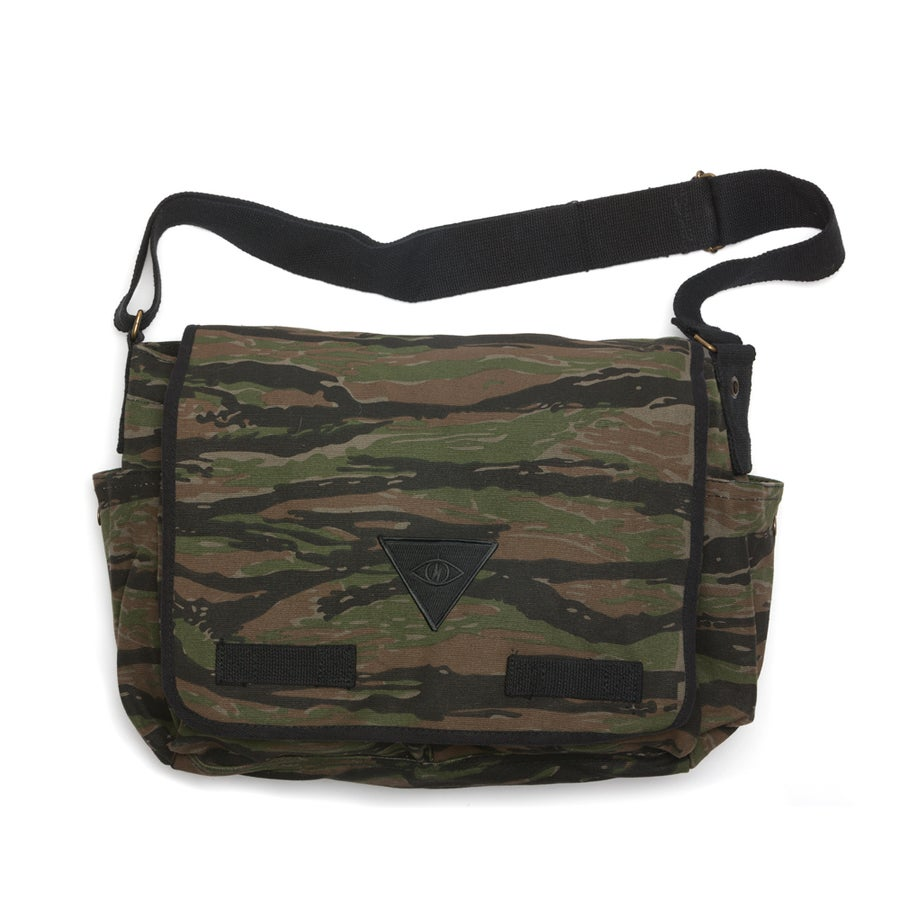 Image of X2 MESSENGER BAG [ tiger stripe camo ]