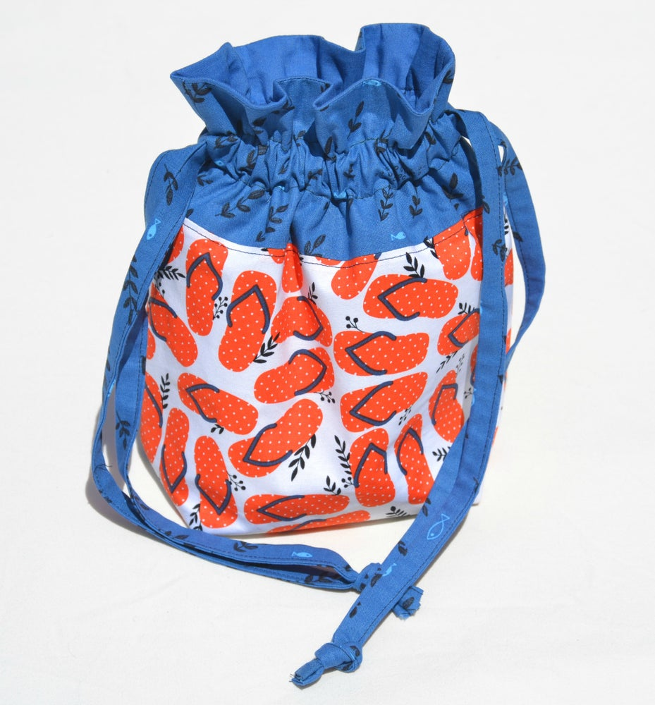 Image of Moda Flip-Flops Everything Drawstring Bag