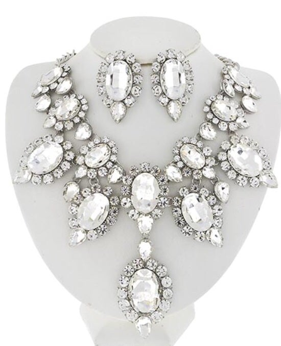 Image of Clear Crystals Necklace N Studs