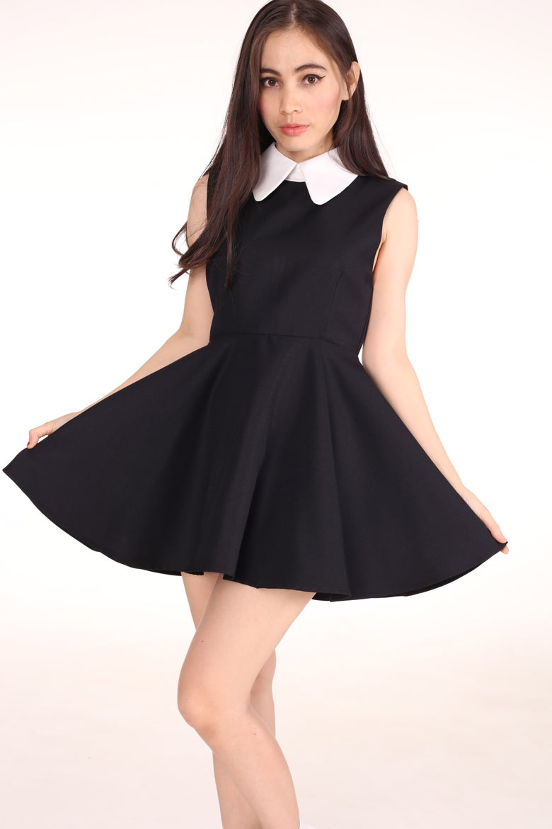 Image of Sleeveless Gothic Alice Dress