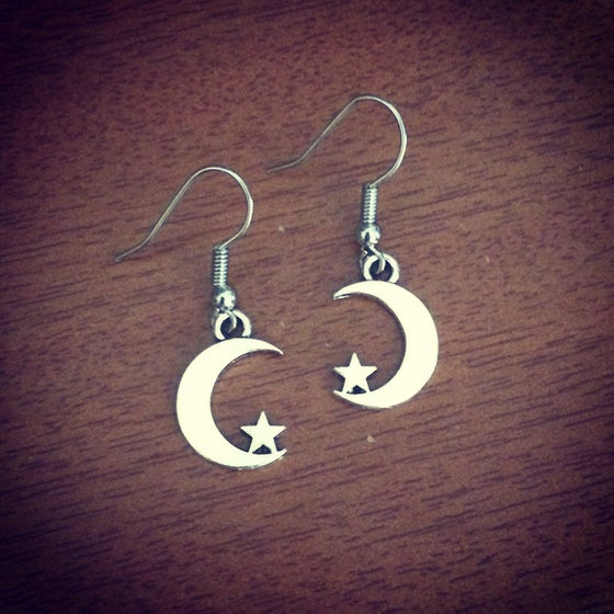 Image of Mini moon crescent earrings