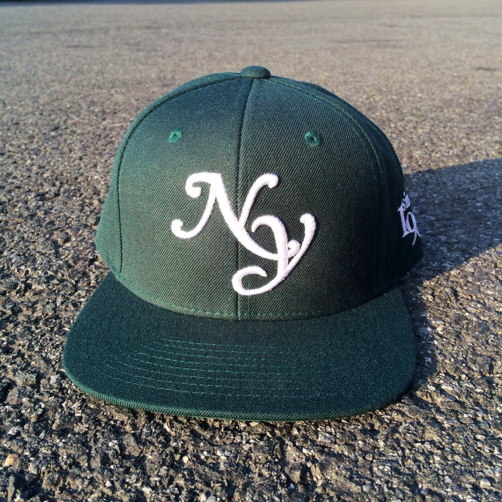 "Image of QS Spruce Green x White ""NY"" Snapback"