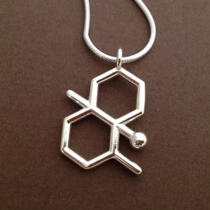 Image of geosmin necklace