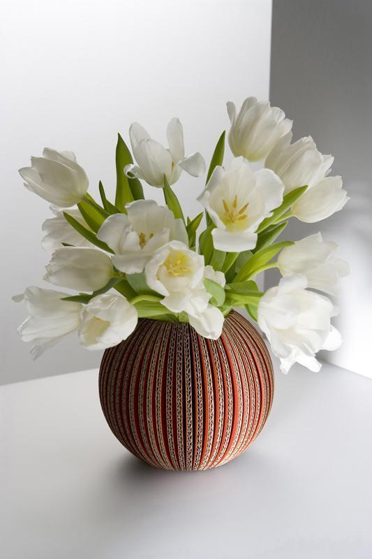 Image of Vase cache-cache en carton recyclé