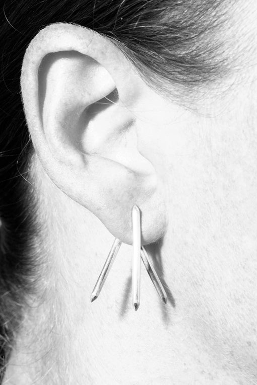 Image of Claw Earrings Pair