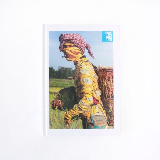 Image of Libro / Book: Borrokak / Luchas / Struggles (2014)
