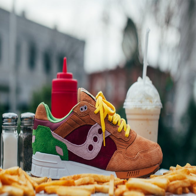 "Image of Saucony Shadow 5000 x END. ""Burger"""