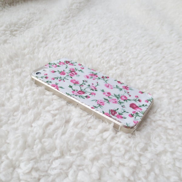 Image of Pink and white floral fabric phone case for iPhone 5/5s