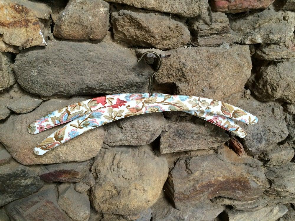 Image of DESUET Cintres fleuris vintage