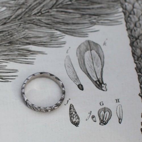 Image of palladium 4mm laurel leaf