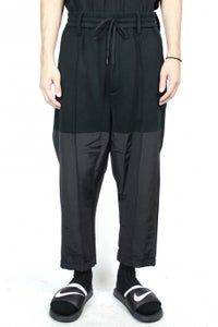 Image of GROSGRAIN DOCKING JOGGERPANTS-BLACK