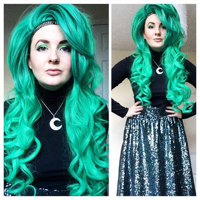 Image of Green Goddess, Green Gradient Ombre Dip Dye Curls Beehive Gothic Lolita Cosplay Wig
