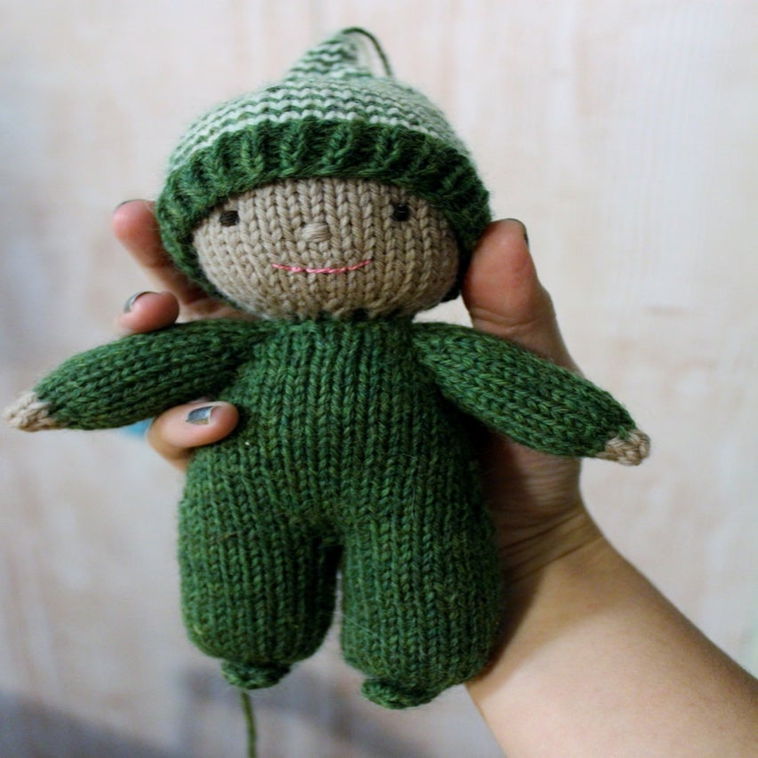 Knitted Elf Pattern : Acorn The Elf Knitting Pattern / Yarnigans
