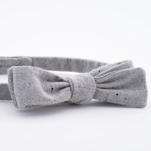 Image of light fog / gray wool bow tie