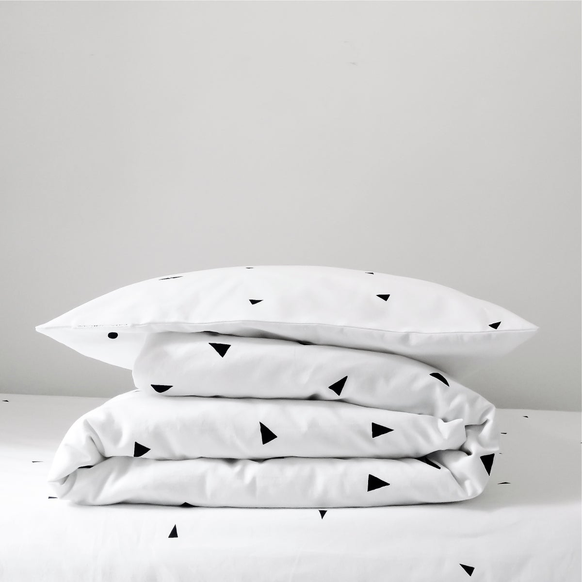 Image of Triangle duvet cover + pillowcase