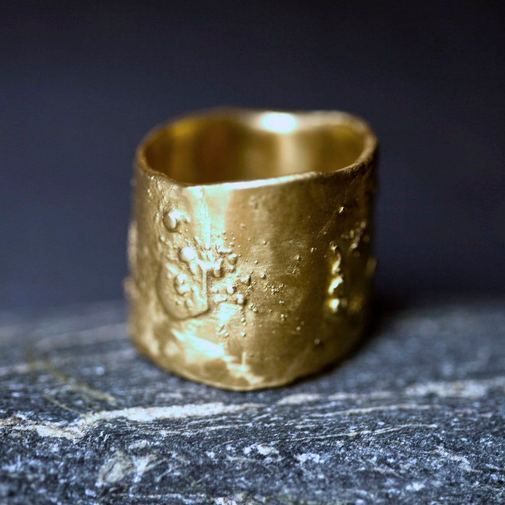 Image of 18K Rough Ring With or Without Diamonds