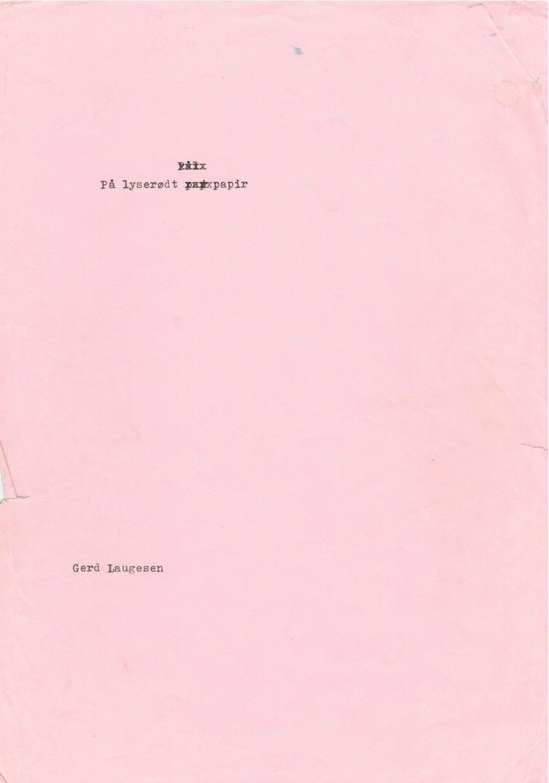 Image of På lyserødt papir af Gerd Laugesen