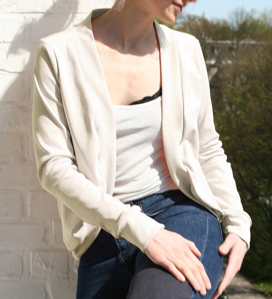 Image of Jäckchen aus Jersey - creme