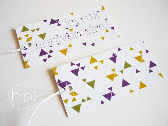 Image of lot 6 étiquettes cadeau ▲triangolini▲ 'joyeux anniversaire !'