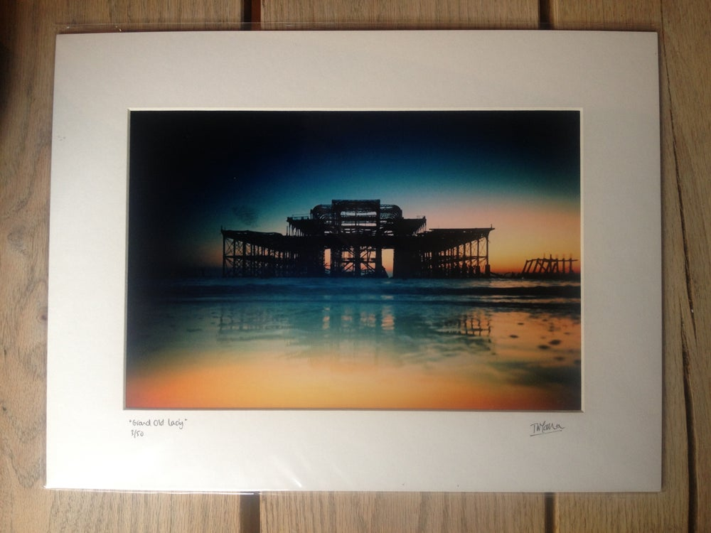 """Image of """"grand old lady"""" limited edition print"""