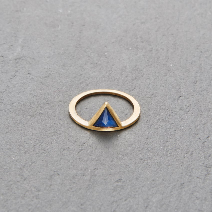 Image of Kandy Blue Sapphire Ring Gold